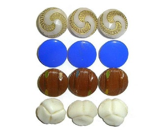 Antique Glass Buttons x12 Four Sets of Three NBS Small