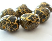 Black Gold Crackled Jewelry Beads - Lightweight Hollow Beads, Black and Gold, Crackled Effect Beads, Jewelry, Gift, Charm - lovelybeads