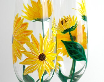 Yellow Sunflower Champagne Flutes -- Set of 2 Toasting Flutes -- Summer Wedding Flutes