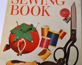 """Vintage Sewing Book """"Better Homes and Gardens Sewing Book"""""""