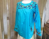 70s vintage Turquoise boho Mexican Blouse Floral embroidery peasant hippie Top S M