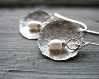 Pearl Earrings, Freshwater Pearl Dome Earrings, White Pearl Hammered Silver Dome Earrings, Dangle Earrings, Pearl Jewelry