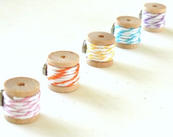 Twine Wooden Spool Magnets - Set of 5