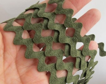 5 yards all COTTON RIC RAC Woodland Forest Loden green. 1/4 inch to 1/2 inch wide. 33-825-g