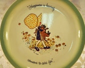 1972 Holly Hobbie Plate with a Calico Fabric Bonnet and Brown Kitten