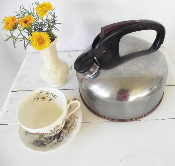 Vintage Tea Kettle - Maid of Honor Brand - XL Bakelite Copper and Stainless Steel