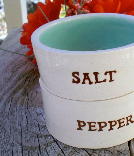 Stacking Salt And Pepper Bowls Ceramic Countertop By