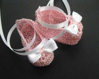 Crocheted Newborn Baby Booties Infant Girl Crib Shoes Christening Baby Booties Crochet Baptismal Crib Shoes Knit Reborn Shoes Photo Prop