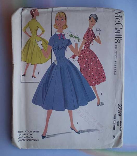 Vintage 50s Fit and Flare Dress Pattern 32 Uncut