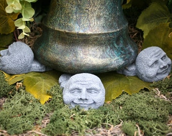 Face Pot Feet - Man in the Moon - Garden Plant Pot Risers