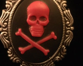 Skull cameo, cameo, skull necklace, skull necklace, cameo necklace, skeleton necklace,red skull