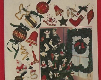 Vintage 70's Sewing Pattern, Christmas Wreath, Holly