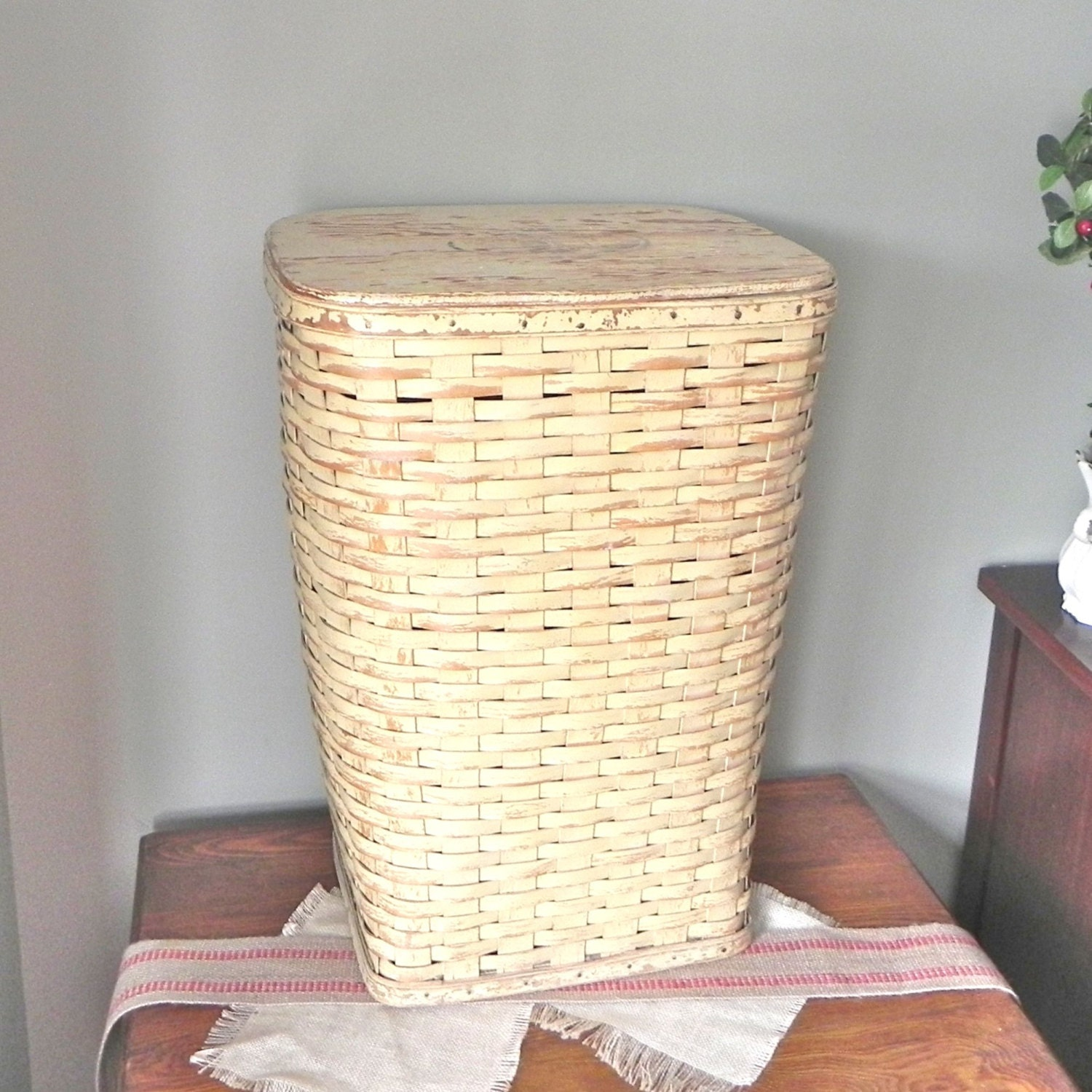 Vintage wicker hamper basket for clothes with by jollytimeone - Wicker clothes hamper ...