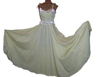 Fabulous Vintage 70s FULL SWEEP Maxi Dress,Prom, Formal, Small