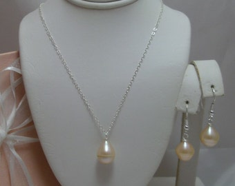 Large Genuine Pearl Natural Teardrop Necklace and Earrings Set pink-peach