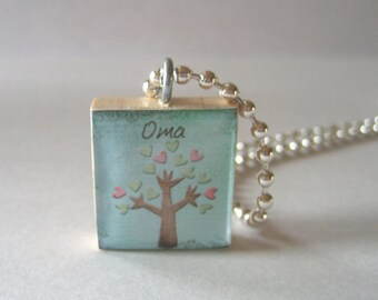 Oma Scrabble Tile Necklace