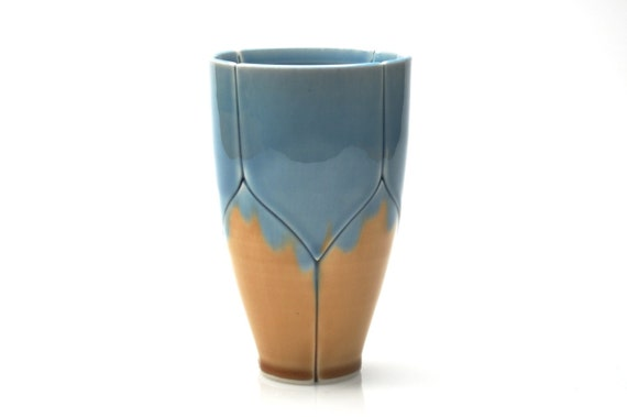 Medium Tumbler Blue and Gold Lotus Style Pint Glass 16 Ounce