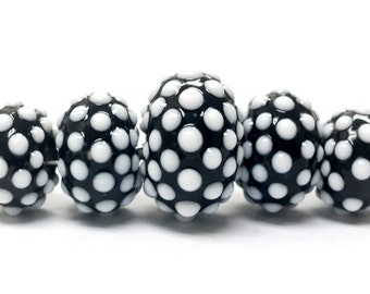 Handmade Glass  Lampwork Beads  Sets - Five Graduated Black and White Rondelle Beads - 10203811