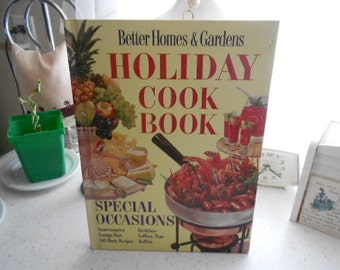 1959, 1969 Hardback Better Homes and Gardens Holiday Cook Book