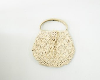 vintage 70s Off White Macrame Handbag with Tassle Closure