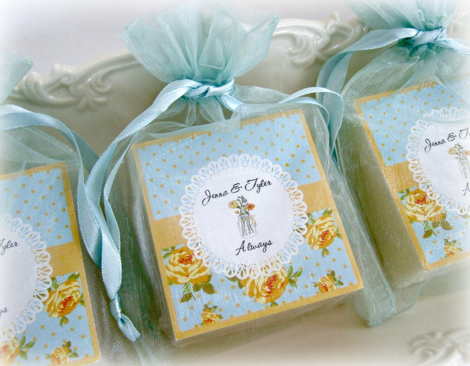 Shabby chic favors mason jar favors tea party favors for Wedding party accessories