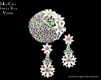 White Enamel & Pastel Flower Brooch Pin and Earrings Vintage 1960s