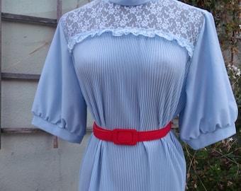Vintage 60's Blue Accordion Pleated Shirt. Lace Detail Blouse. Secretary Shirt XL