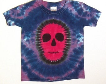 Fuchsia Red Faced Tie Dye Shirt, Zombie Skull Tie Dye T Shirt, Youth extra small