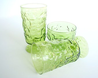 4 Retro Dishes Avocado Green Footed Parfait and Sherbet Glasses, Vintage 1970's, Set of Four