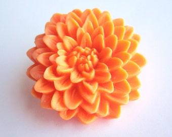 SUPER CUTE PROMO : Chrysanthemum Flower Brooch - Orange
