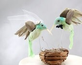 Green Hummingbird Wedding Cake Topper: Bride & Groom Love Bird Cake Topper
