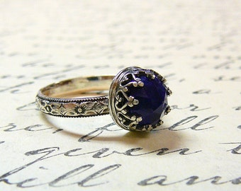 Roxy Ring - Beautiful Gothic Vintage Sterling Silver Floral Band Ring with Rose cut Blue Lapis Lazuli and Heart Bezel