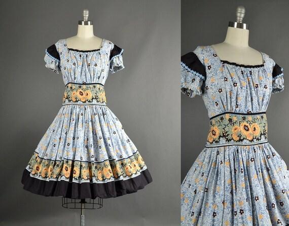 Vintage 1960s Dress full skirt floral cotton day dress 60s dress ivory XXL Plus size