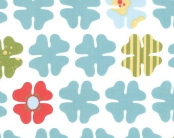 TWILL Four Petals White Turquoise Just Wing It Fabric by Momo for Moda 32445-13T, 1 yard