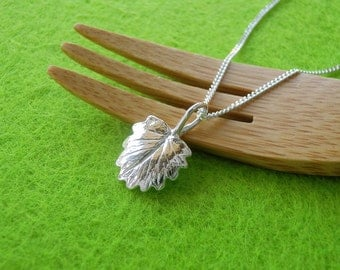 Salad Burnet Leaf Pendant Necklace - Pure Silver Real Leaf Pendant, Herb Jewelry, Plant Jewelry, Gardeners Gift