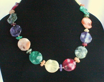 Vintage Multicolor Necklace Colorful Lucite Discs Faux Agate Slice Abstract Red Purple Green Cream Peach