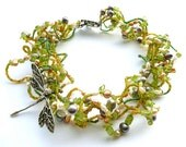 Spring Visit -- Spring Green Wavy Choker with Peridot and Freshwater Pearls
