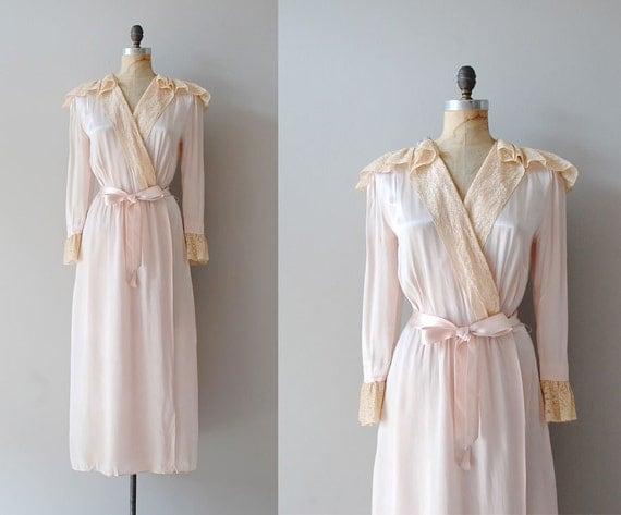 1940s robe / silk 40s lingerie / vintage lace robe