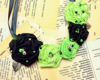 Beautiful  GREEN...Pretty Beaded Rosette Necklace... Spring Green, Satin Black, Silvery Leaves and More