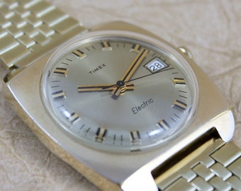 Vintage Timex Electric - Wrist Watch - Gold Tone Case and Bracelet - Circa 1970's - Mens Watch - Date Feature