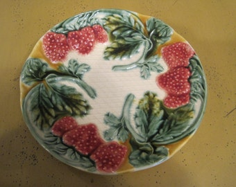 Vintage Majolica Strawberries Plate