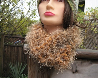 Fuzzy Crocheted Cowl C13/12