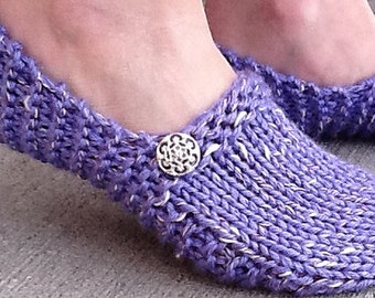 Kwiki Slippers PATTERN - knit in a few hours,  Seamless and Easy