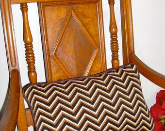 Vintage Cushion Cover /Needlepoint Chevron /Zippered  Pillow Cover / Vintage 60's / Hand Made / Graphic / Neutral Colors