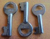 Skeleton Keys - Vintage Antique keys-  Barrel keys- Steampunk - Altered art b6