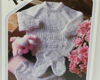 vintage baby diaper pant, raglan sweater, socks pattern book Peter Pan Wendy design
