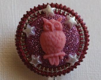 Pink Owl In A Pink Starry Nite Vintage Zipper ID Badge Reel
