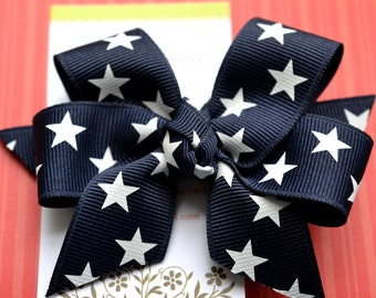 Navy with White Stars Classic Diva Bow