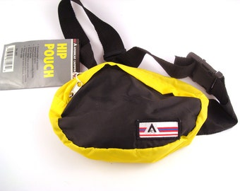 Fanny Pack Vintage 1980s Nylon Vegan Black Yellow American Camper