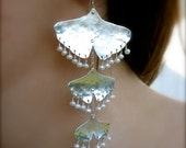 Cascading Hammered Ginkgo Leafs in Sterling - Tiny hanging cream pearls